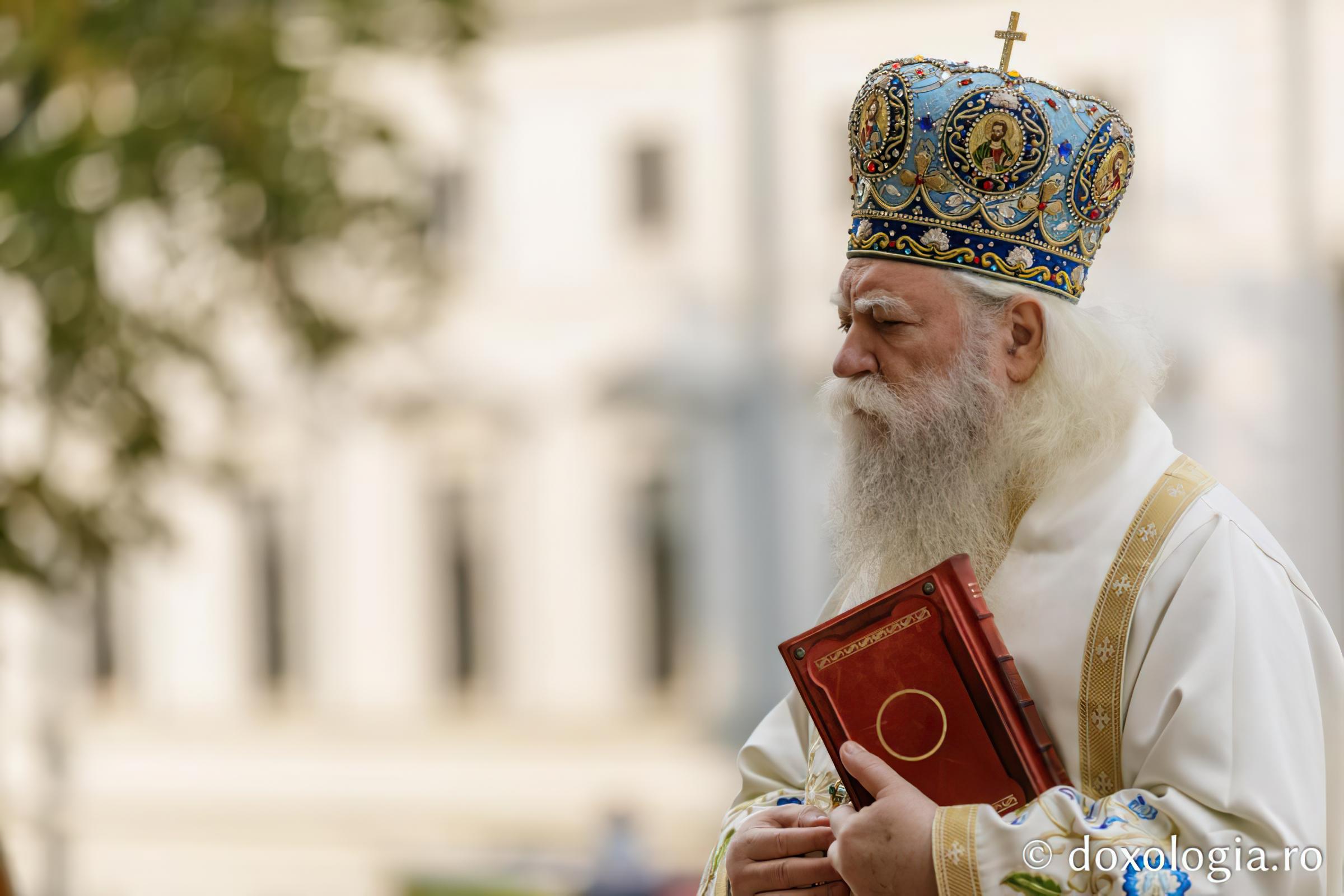 liturghie_catedrala_ips_calinic_13_oct_2020_-_foto_silviu_cluci_wm_4496